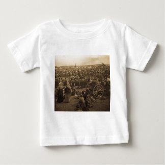 ブラックフット族(セピア色)の選択のダンス ベビーTシャツ