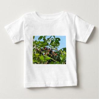 ブラックベリーはまだ十分に熟させて束ねます ベビーTシャツ