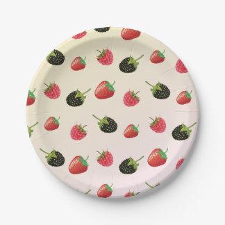 ブラックベリー、いちご、ラズベリー: 夏のフルーツ ペーパープレート
