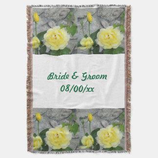 ブランケットを結婚している黄色バラ スローブランケット