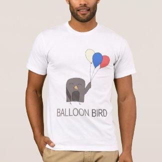 ブランデーグラスの鳥 Tシャツ