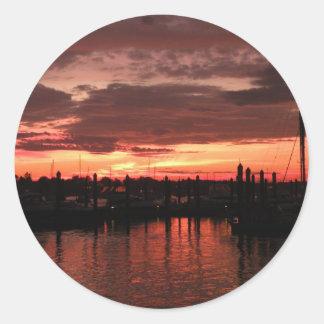 ブリストルロードアイランドの日没 ラウンドシール