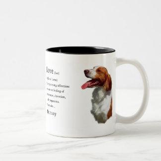 ブリッタニースパニエル犬のギフト ツートーンマグカップ