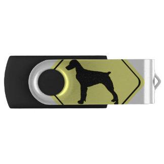 ブリッタニースパニエル犬の警告標識愛はシルエットの後をつけます USBフラッシュドライブ