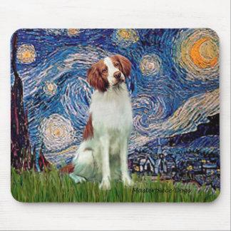 ブリッタニースパニエル犬3 -星明かりの夜 マウスパッド