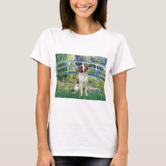 ブリッタニースパニエル犬3 -橋 Tシャツ
