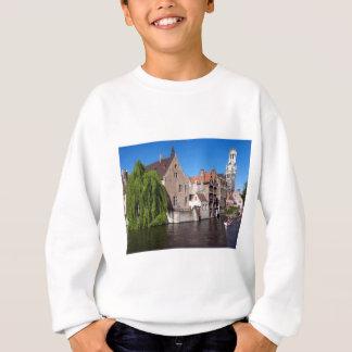 ブリュッヘ、ベルギーの川 スウェットシャツ