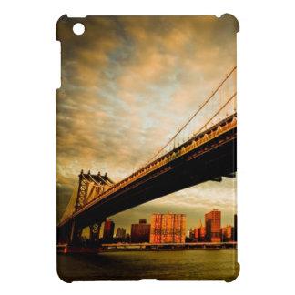 ブルックリンの側面(NYC)からのマンハッタン橋眺め iPad MINIケース