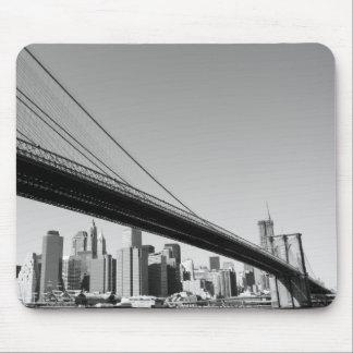 ブルックリン橋およびマンハッタンスカイライン マウスパッド