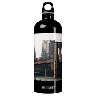 ブルックリン橋のパノラマ SIGG トラベラー 1.0L ウォーターボトル