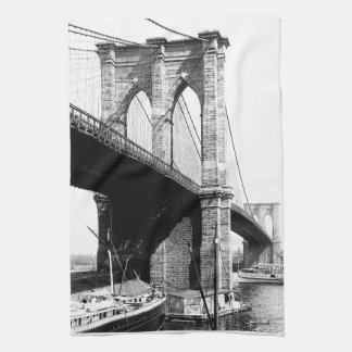 ブルックリン橋の水辺地帯 キッチンタオル