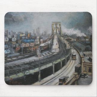 ブルックリン橋を絵を描くヴィンテージニューヨークシティ マウスパッド