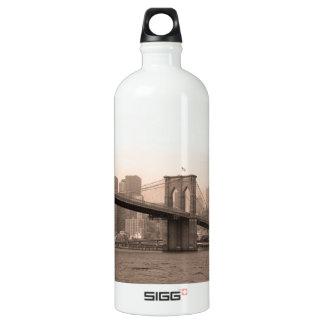 ブルックリン橋ニューヨーク SIGG トラベラー 1.0L ウォーターボトル
