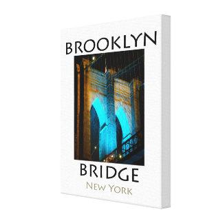 ブルックリン橋青いLEDのライト キャンバスプリント