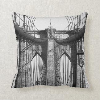 ブルックリン橋、NYCのテーマのトスの枕 クッション