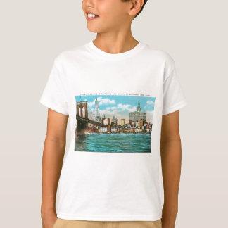 ブルックリン橋、WoolworthおよびMunicipal… Tシャツ