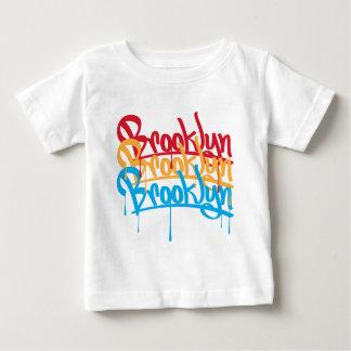 ブルックリン色 ベビーTシャツ
