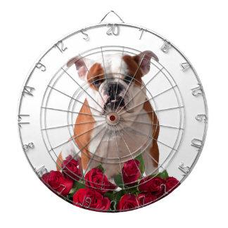 ブルドッグの赤いバラの開花の誕生日記念日 ダーツボード