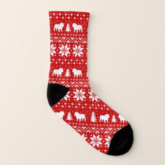 ブルドッグは赤いクリスマスパターンのシルエットを描きます ソックス