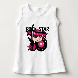 ブルネットのロックスターの女の子の赤ん坊の袖なしの服 ドレス