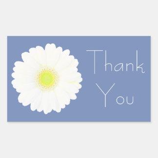 ブルーグレーの黄色および白いデイジーは感謝していしています 長方形シール