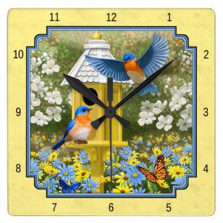 ブルーバードおよび円形の巣箱の黄色 スクエア壁時計
