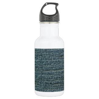 ブルー・ジーンズのデニムの背景 ウォーターボトル