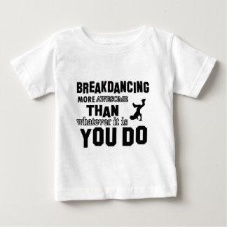 ブレイクダンスのデザイン ベビーTシャツ