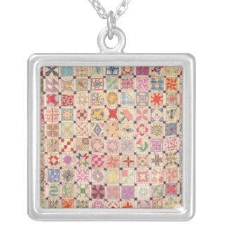 ブロックのキルトのネックレス-正方形 シルバープレートネックレス
