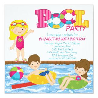 ブロンドの女の子の誕生日の夏のプールのパーティの招待状 カード