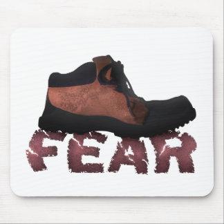 ブーツ-多数プロダクトによって押しつぶされる恐れ マウスパッド