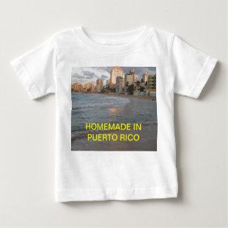 プエルトリコで手製 ベビーTシャツ