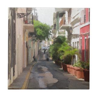 プエルトリコの静かで小さい通り タイル