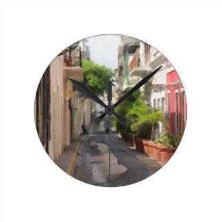 プエルトリコの静かで小さい通り ラウンド壁時計