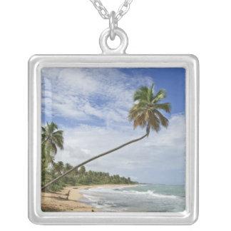プエルトリコ。 Tres Palmitasのビーチプエルトリコ シルバープレートネックレス