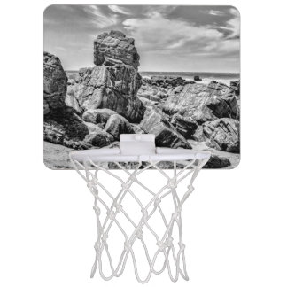 プライアMalhada Jericoacoara Braziの海岸の石 ミニバスケットボールゴール