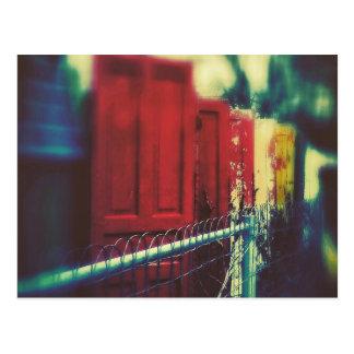 プライバシーの塀のドア ポストカード