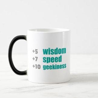 プラスの知恵および速度のゲーマーおよびギークのおもしろマグカップ モーフィングマグカップ