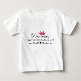 プリンセスの衣服のrunnigは蹄鉄を打ちますも! ベビーTシャツ