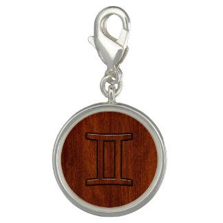プリントのようなマホガニーのジェミニ(占星術の)十二宮図の記号 チャーム