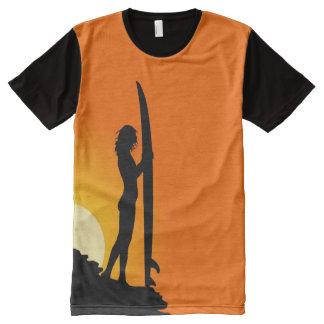 プリントをくまなくサーファーの女の子の日没のサーフィンのTシャツ オールオーバープリントT シャツ