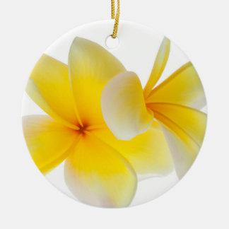 プルメリアの花のハワイの白く黄色いFrangipani セラミックオーナメント
