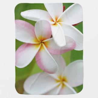 プルメリアの花のハワイのFrangipaniの花柄の花 ベビー ブランケット