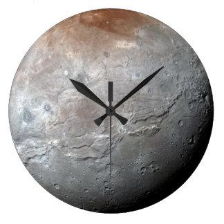 プルートで最も大きい月: Charon ラージ壁時計