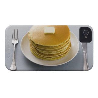 プレートのバターが付いているパンケーキの積み重ね Case-Mate iPhone 4 ケース