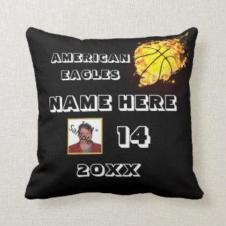 プレーヤーの名前のバスケットボールの写真の枕 クッション