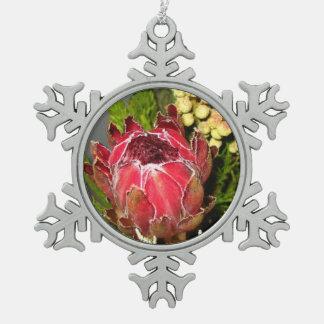 プロテアの花束のピューターの雪片のオーナメント スノーフレークピューターオーナメント