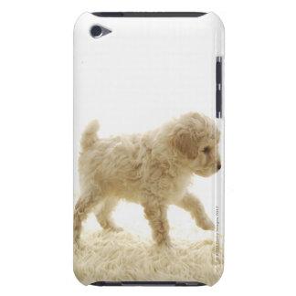 プードルの子犬 Case-Mate iPod TOUCH ケース