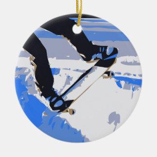 プールのスケートで滑るのスケートボード セラミックオーナメント