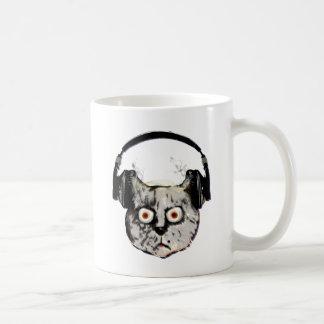 ヘッドホーンを持つ音楽dj猫 コーヒーマグカップ